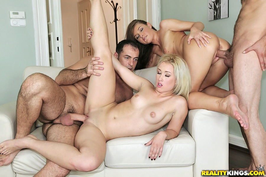 Фото порно секс вчетвером